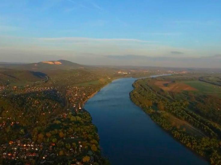 2017 tavasza elég szeszélyesre sikerült, a DunakanyAIR Media drónvideója viszont a képernyőnkre varázsolja az igazi tavaszi Dunakanyar élményt!