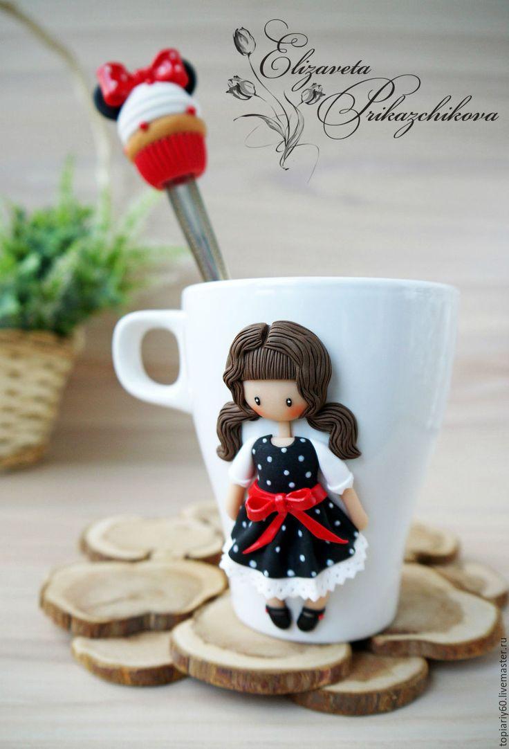Купить Кружка и ложка с декором из полимерной глины - комбинированный, красный, черный, в горошек, кружка в подарок