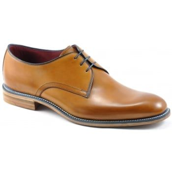 130 years of bench-made shoe-making techniques go into making every pair of these men's Loake Drake in Tan Burnished calf. No detail is compromised in this premium range of footwear. Finest calf leathers and Goodyear Welted leather soles. Contrasting navy welting with navy laces certainly make a statement, and you will enjoy wearing them for many years to come. Available in a F fitting in Black and Tan Burnished Calf…