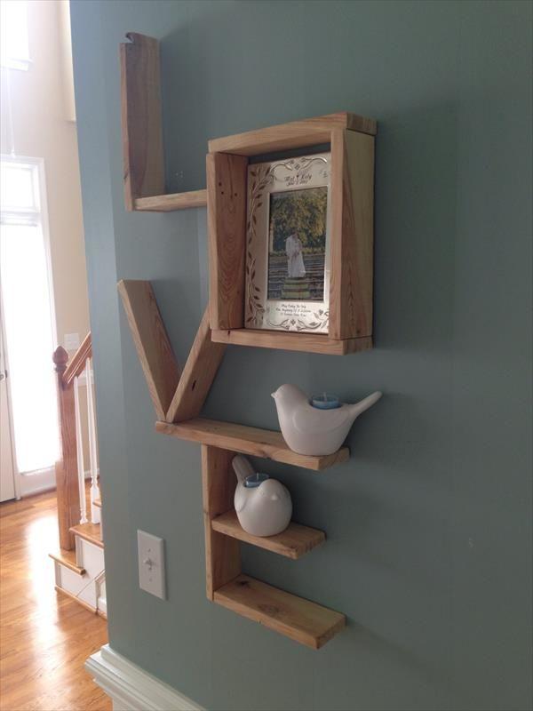 DIY Pallet Love Wall Shlelf   Pallet Furniture DIY