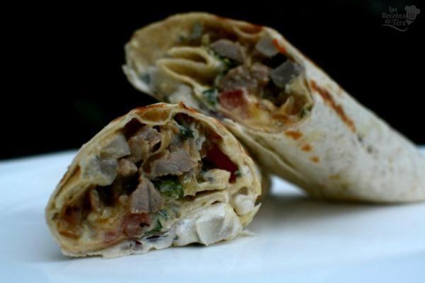 Receta de Kebab de cordero casero (o shawarma) - ¡Una delicia típica árabe! #RecetasGratis #RecetasFáciles #RecetasdeCocina #Carne #MeatLovers #Kebab