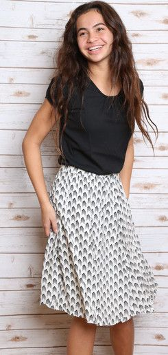 Cute modest outfit | Modest Skirt | Modest Blouse | Work attire | Teacher clothes