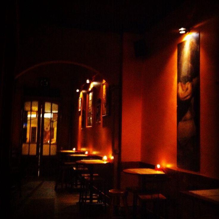 Noche de #Bohemia en #Stgo de #Chile en el @BarCuatroyDiez