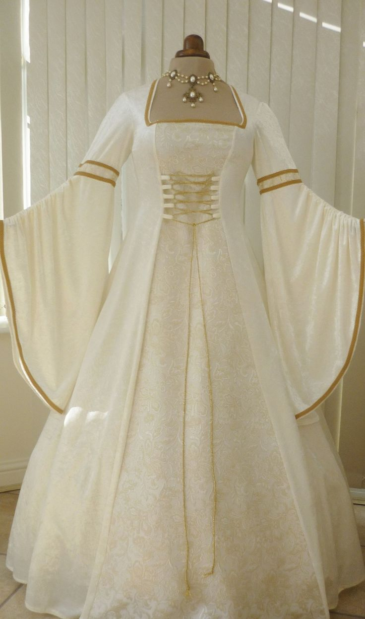 Luxury and Incredible Style of Medieval Wedding Dress: white golden Medieval Wedding Dress
