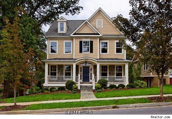 Home - the perfect exterior. A yard, a porch, beautiful colors. I love it!