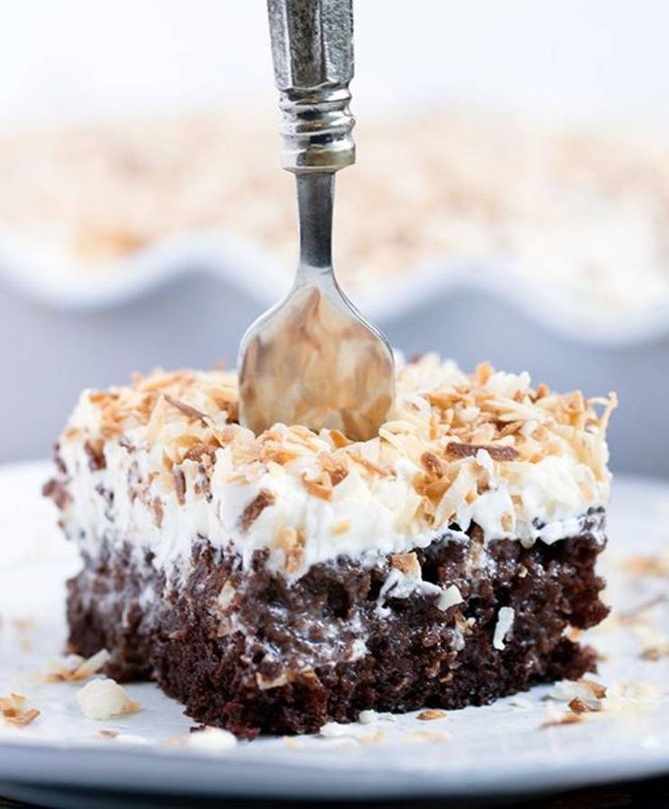 Poke cake chocolat coco