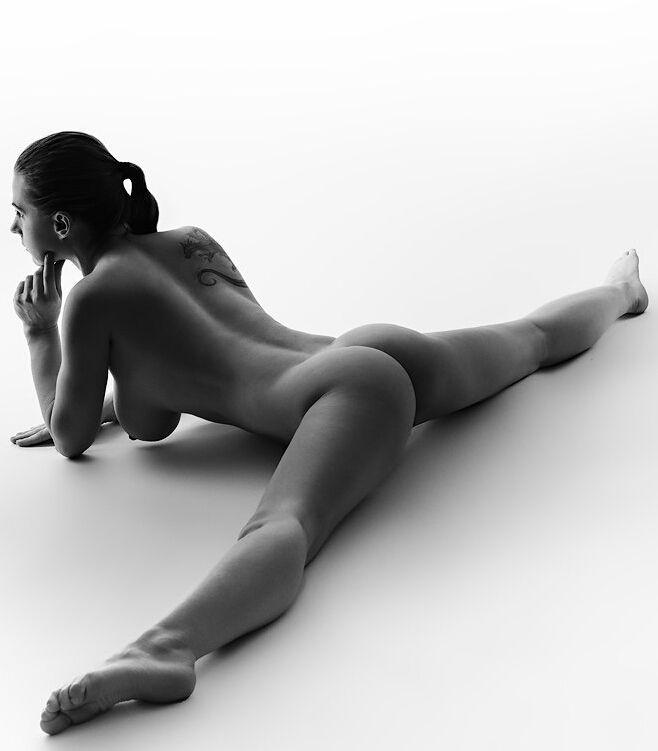 White Flexible Women Naked 31