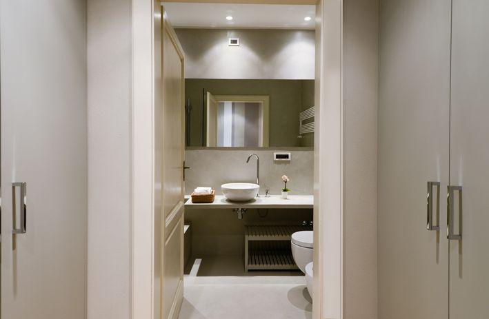 Via Santa Croce Lucca 5 bathroom
