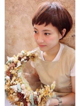 【+~ing】 ~ing流 耳かけショート【谷藤美紀子】 - 24時間いつでもWEB予約OK!ヘアスタイル10万点以上掲載!お気に入りの髪型、人気のヘアスタイルを探すならKirei Style[キレイスタイル]で。
