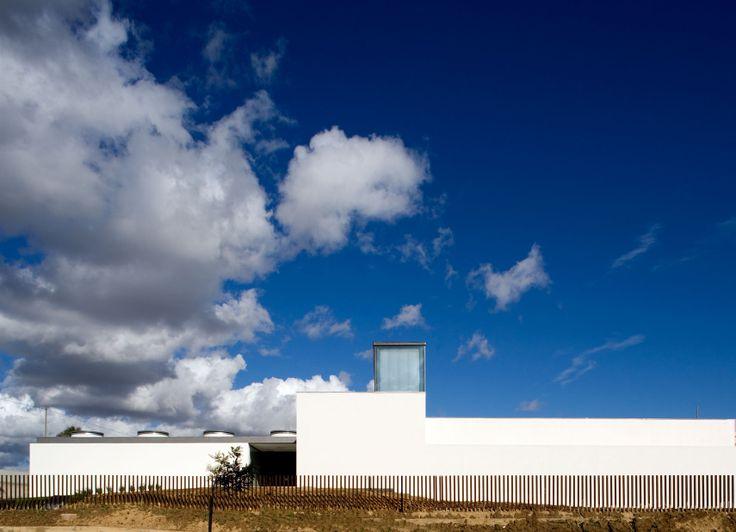 Atelier Central Arquitectos . Kindergarten in Bicesse . Estoril . Portugal  © Fernando Guerra, FG+SG Architectural Photography