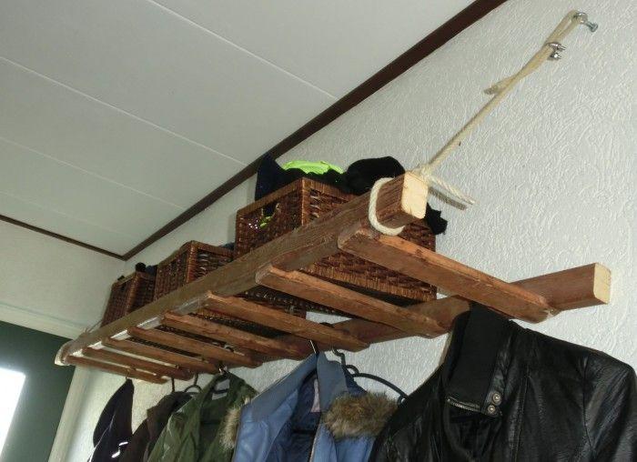 Naar idee op welke gezien. Kapstok gemaakt van houten ladder.