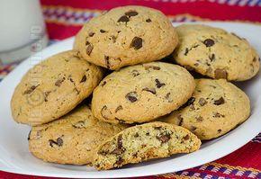Fursecuri americane cu ciocolata sau chocolate chip cookies, sunt niste minunatii de prajiturele, crocante la exterior si moi in interior.