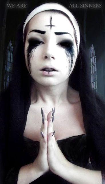 Unbelievable Halloween makeup!!!