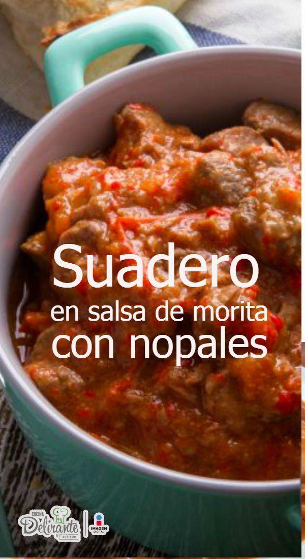 Prepara esta riquísima carne de suadero bañada en salsa de chile morita y acompañado de nopales, ¡te encantará!