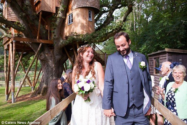 Congratulations to Olivia and Charles who recently tied the knot at Treetops Treehouse in Devon!