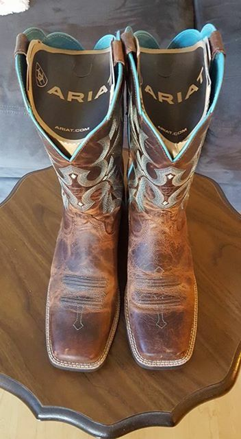 """Women's ariat """"Tombstone"""" square toe boots"""