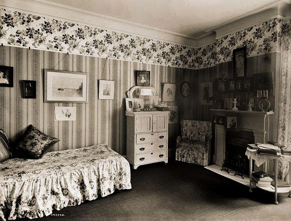 how to make a great guest bedroom 1910 1910 pinterest rh pinterest com 1970s bedroom decor 1970s bathroom suites