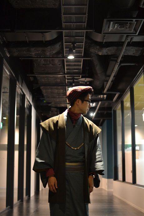 Proper men's kimono with a Uniqlo turtleneck and a cap - so cool!