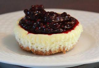easy mini cheesecakes. with sweetener, no flour.