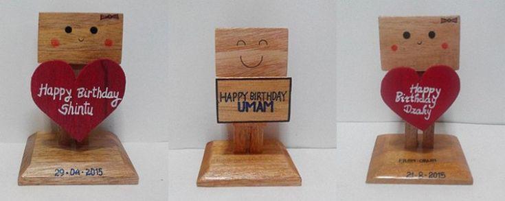 Kado ulang tahun Danbo Kayu unik