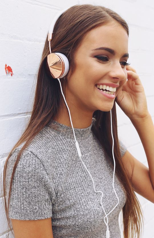 5 Podcasts That Will Help You Become Super Successful