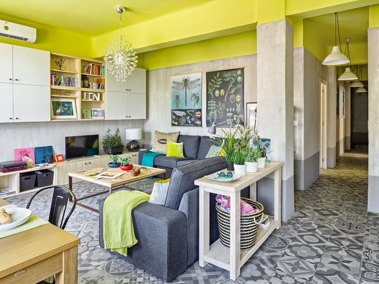 Modern Industrial Look Apartment with Bright Yellow Ceiling by Sueca House | http://www.designrulz.com/design/2014/10/modern-industrial-look-apartment-bright-yellow-ceiling-sueca-house/