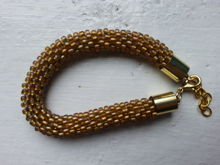 szydełkowa bransoletka z koralików, crochet brancelet with beads