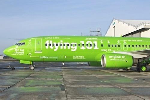 Après la notice d'instructions d'évacuation, voici l'avion expliqué dans le détail avant de monter à bord...