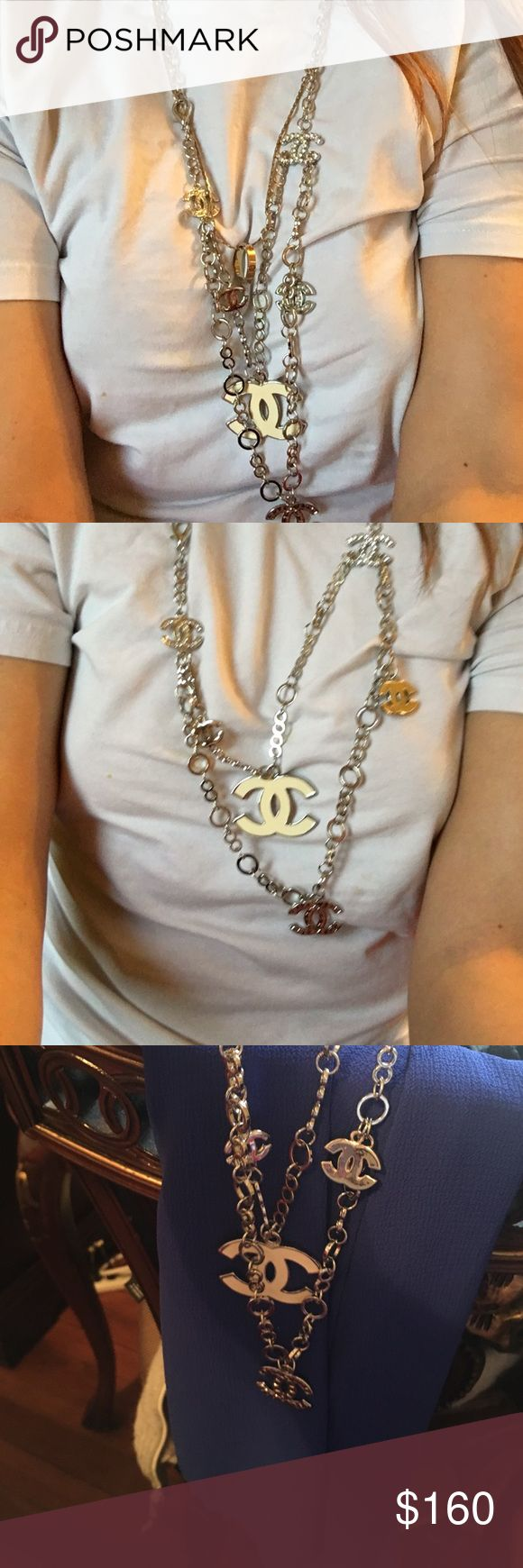 Chanel necklace Beutiful elegante , casual Chanel necklace silver , cream color , see in post CHANEL Jewelry Necklaces