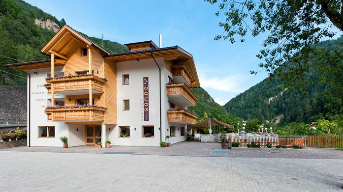 Bolzano (It) Gasthof zur Sonne: mooi hotel ver buiten Bolzano richting Kardaun