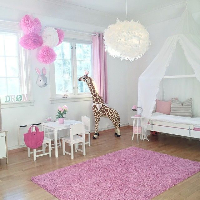 sweet room in pink and white..