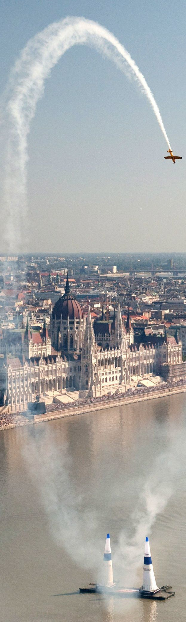 When the Red Bull air race came to Budapest in 2009. Did you know it's returning in July 2015?..#givesyouwings #airrace