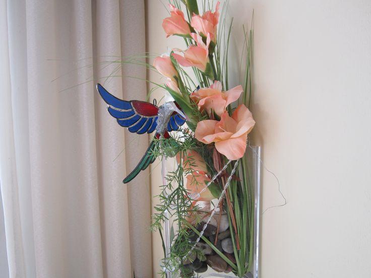 Hummingbird prettifyes silkflowerdecoration