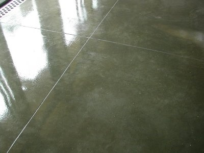Concrete floor with epoxy