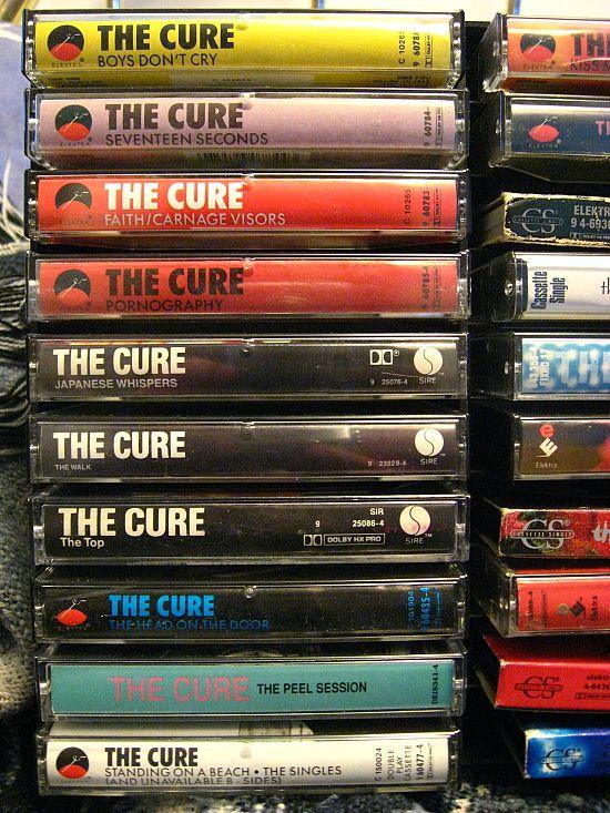 The Cure, en K7, moi je les avais en vinyle durement achetés après quelques baby sittings
