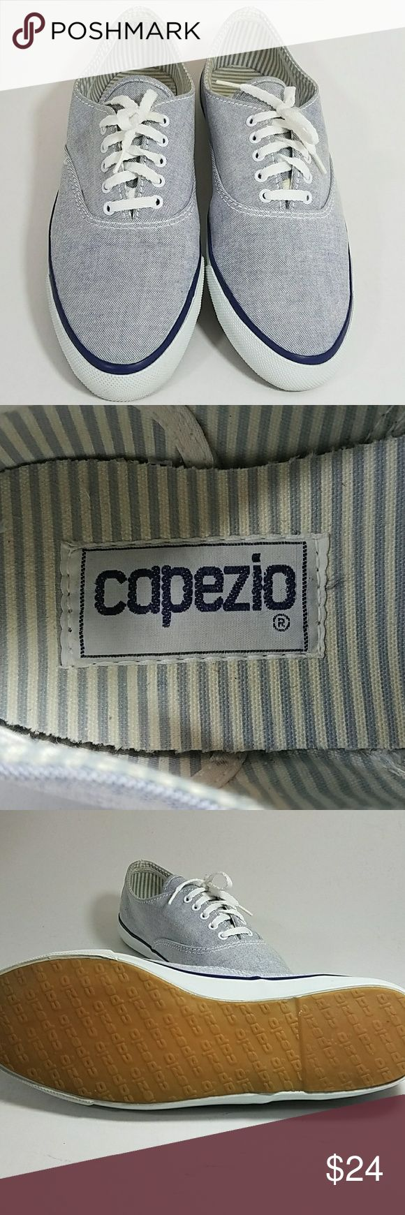 """Capezio boat / tennis shoes / sneakers sz 9 Capezio boat / tennis shoes / sneakers sz 9. Cute canvas tennis shoes in very good condition. The size is not annotated on the shoe however the inside sole from toe to heel is 10"""" which converts to a size 9, I reccommend doing this measurement with your own shoes to ensure proper fit.🌴 Capezio Shoes Sneakers"""