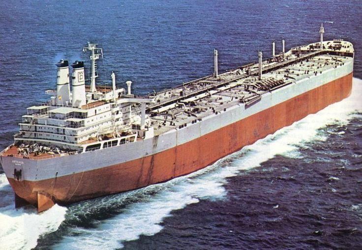 Varados 4 millones de barriles de PDVSA Cuatro millones de barriles de crudo se encuentran en tanqueros anclados en el Caribe, debido a que PDVSA no ha podido cancelar inspecciones  Twittear  http://wp.me/p6HjOv-2Yf ConstruyenPais.com
