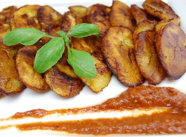 Fried plantain (Alloco/Dodo) - Very popular snack in Ivory Coast and most of the black African countries. The best alloco in Abidjan is found at the allocodrome market (one of the famous street food market in Abidjan). It is called alloco (Ivory Coast) or dodo (Cameroon and Nigeria). ....