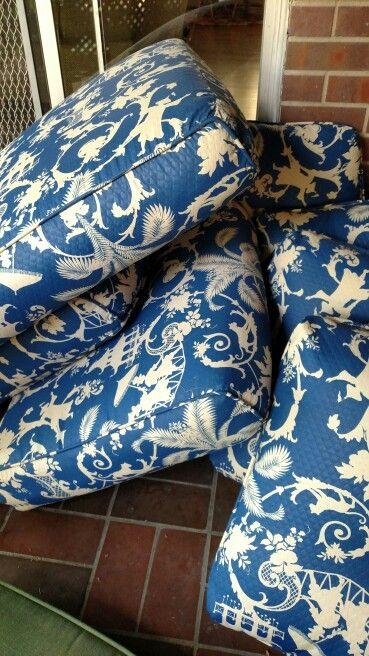 #cushions #patio #blueandwhite #chinoiserie