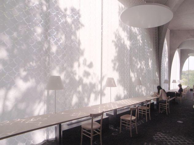 テキスタイルコーディネーター/デザイナーの安東陽子さんは、ベテランから若手まで多くの建築家が手がけた作品におい...