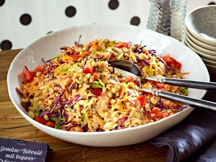 Bulgur meets Rohkost und ein tolles Sößchen: Gemüse-Taboulé mit Ingwer-Erdnuss-Dressing