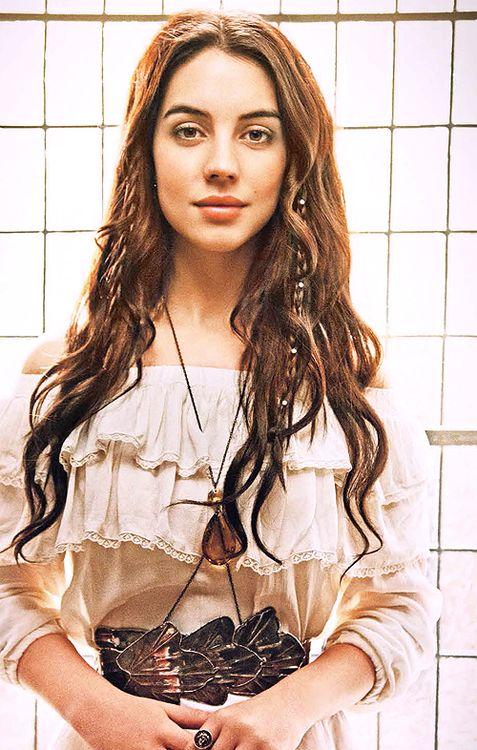 The beautiful Adelaide Kane from #Reign shoot... the dress, the BELT, the hair braids... all awesome.