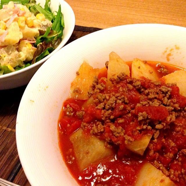 トマト風味に思い付きでしてみたけど、美味しい(๑◕ˇڡˇ◕๑) - 23件のもぐもぐ - 大根のそぼろ煮トマト風味、ポテトサラダ by usaco123