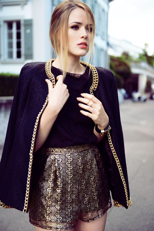 : Chic Outfit, Chains, Jackets, Street Styles, Shorts, Fashion Inspiration, Black Gold, Gold Accent, Kristina Sometimes