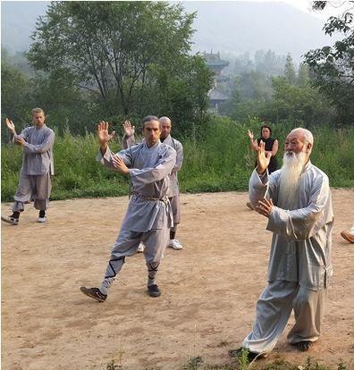 Le Qi Gong, une pratique holistique pour rester en bonne santé et développer la joie de vivre ?