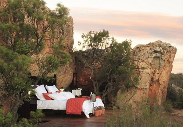 Romantic open air sleep-out at the Kagga Kamma Game Reserve in Cape Town. You even have an open-air bathroom!