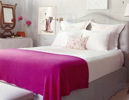 fuschia blanket adds a pop of color