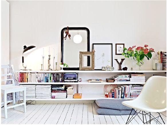 Étagères toutes en longueur - et série de cadres et miroirs #shelvings #mirror