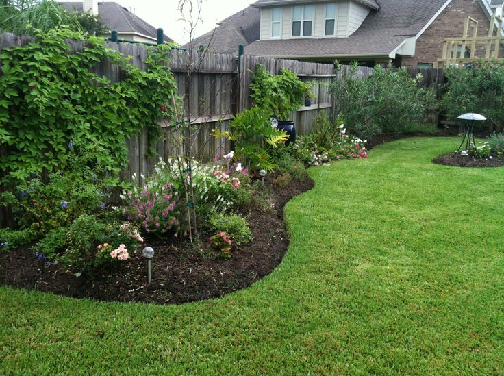 New Landscaping Along Side Fence Lawn And Garden Ideas