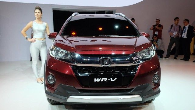 Honda WRV India Price lakh, Specifications, Mileage, Review #honda #fit #price #in #india http://design.nef2.com/honda-wrv-india-price-lakh-specifications-mileage-review-honda-fit-price-in-india/  # Honda WRV India Launched! Prices Start at Rs. 7.75 lakh Honda has launhed the Jazz-based WRV sub-4 metre compact SUV. The new Honda WRV compact crossover made its debut at the Sao Paula Motor Show last year. As per Honda, the name WRV is an acronym for 'Winsome Runabout Vehicle'. Internationally…